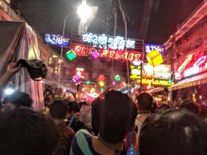 カンボジア正月は国民皆の 誕生日